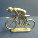 Cycliste en metal en danseuse type Quiralu - Non peint