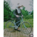 Religieuse avec sa bicyclette
