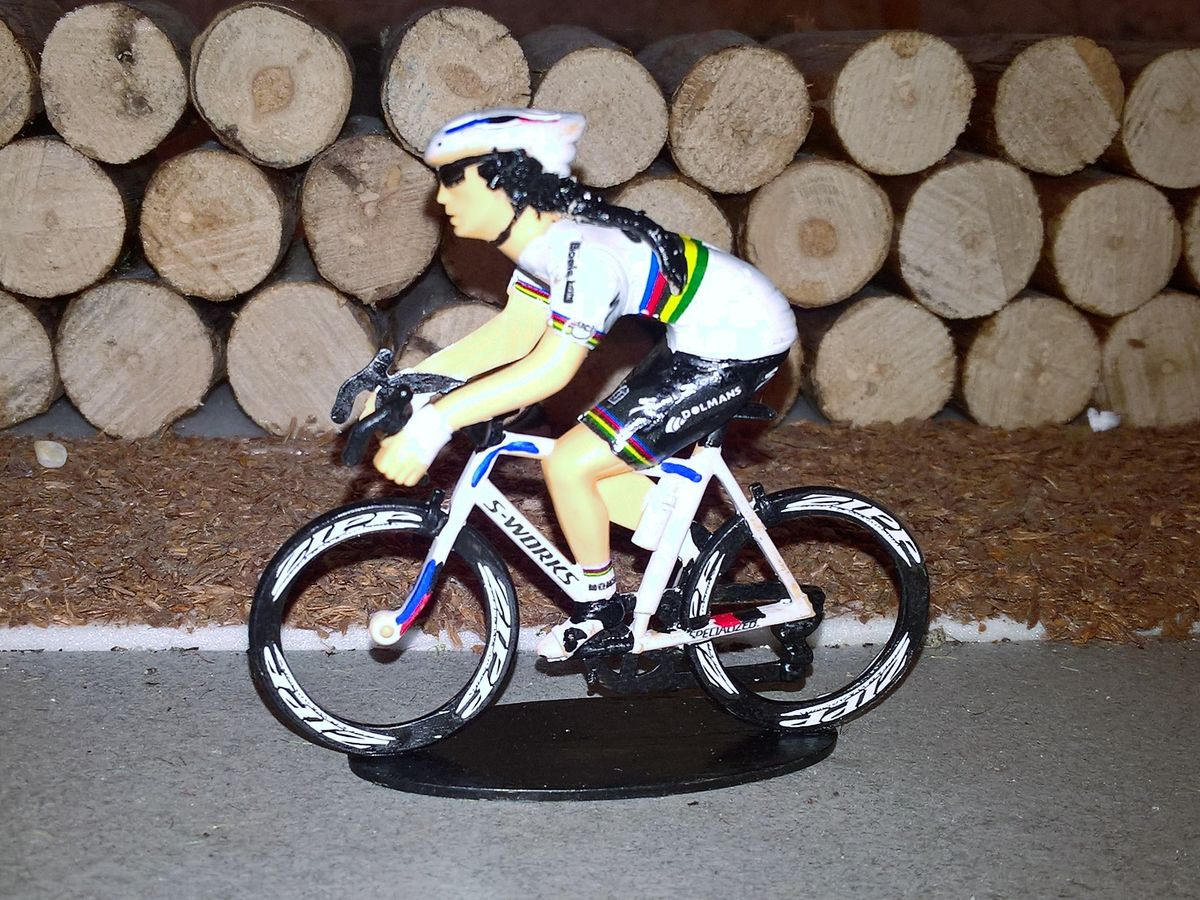 https://www.sportgoodies.fr/Collection/Cyclistes/Perso/1702_Lizzie2.jpg
