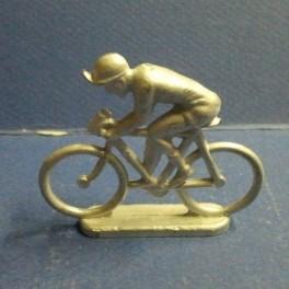 Die-cast cyclist sitted Quiralu type- Unpainted